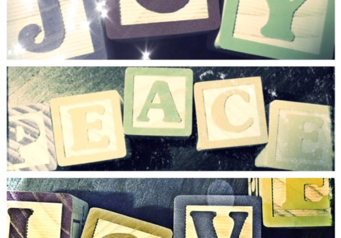 create a photo collage with up to 4 block letter words