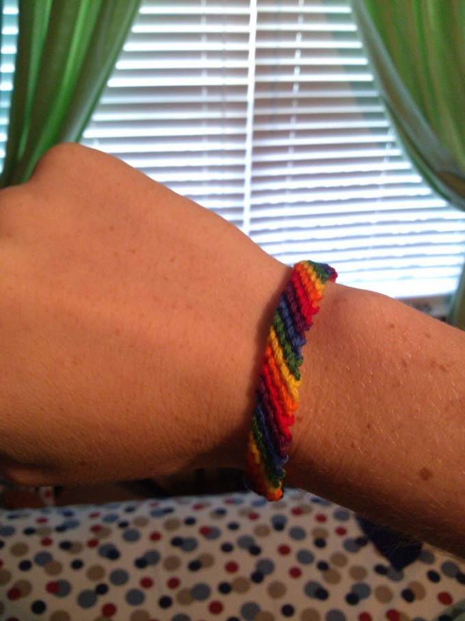 make an LGBT pride or other variety bracelet