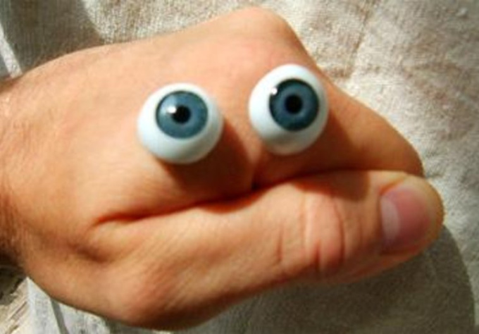 advertise you company via a short video clip with my hand puppet