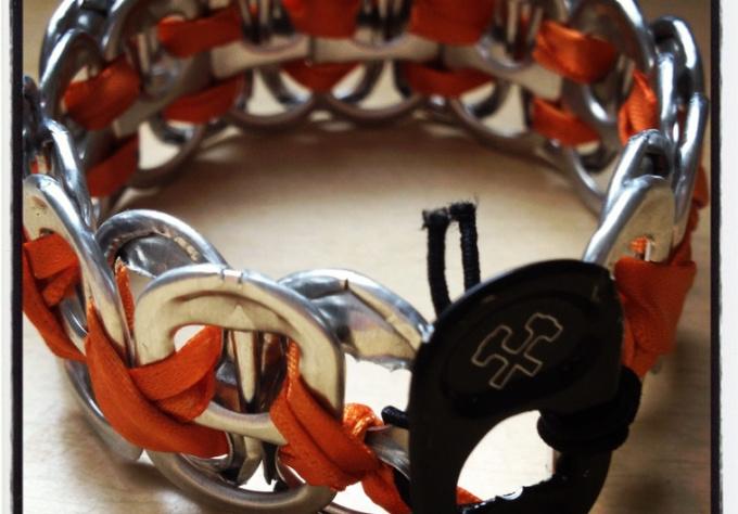 make you a customizable pop tab bracelet