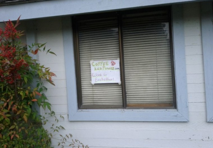 advertise your business or URL in front of my house for a week