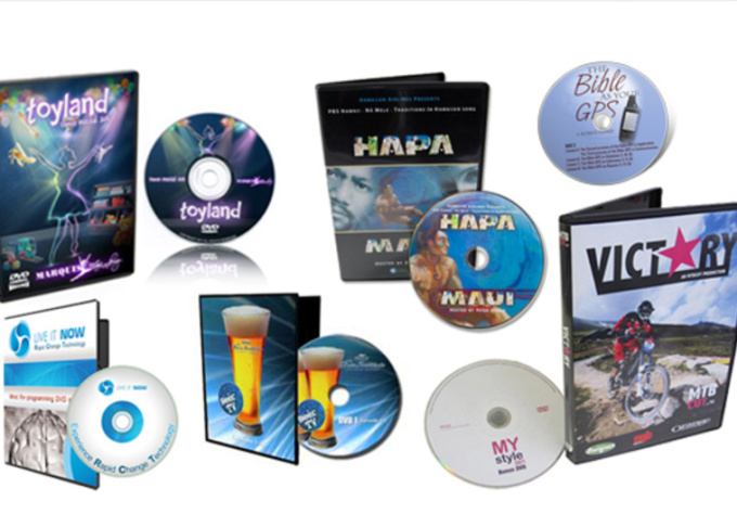 create a professional looking 3D cd or dvd case with the disk