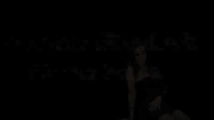 new_girl_intro1_webcam