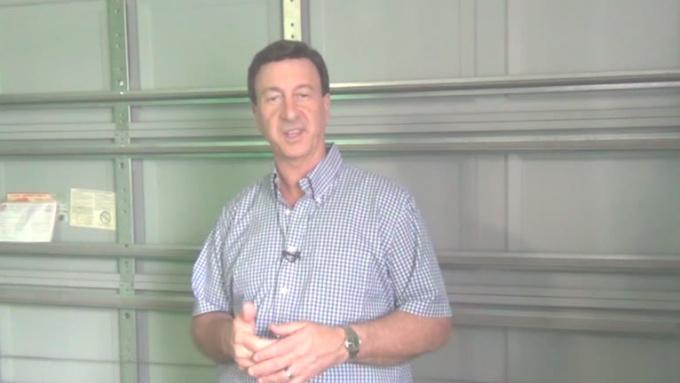 Lubricate the Squeaky Parts on Your Garage Door    6 VIDEO
