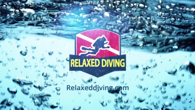 Relaxed diving_yellow
