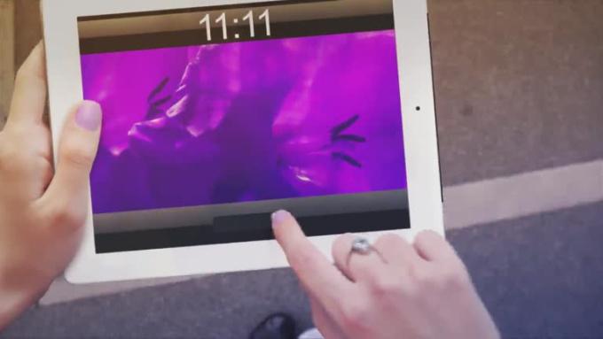 dobish23_iPad_walking
