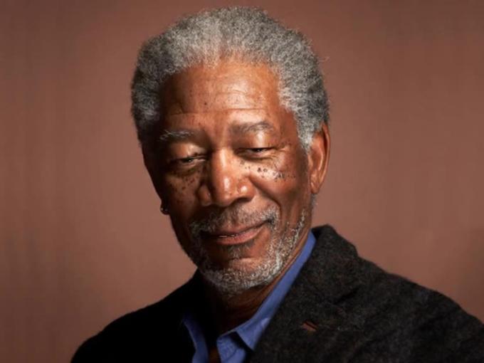 Morgan Freeman DJ8