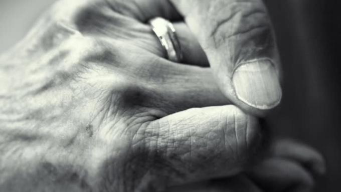 elder_hands_v1