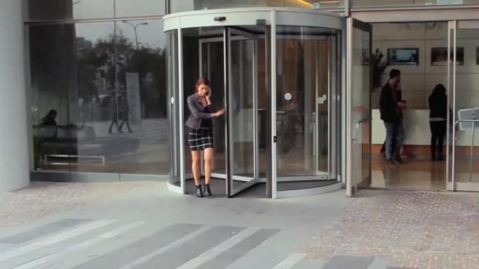 Semantik Little G Commercial