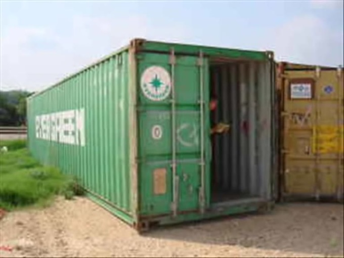 Shipping Container As An Underground Shelter-SpanishSub