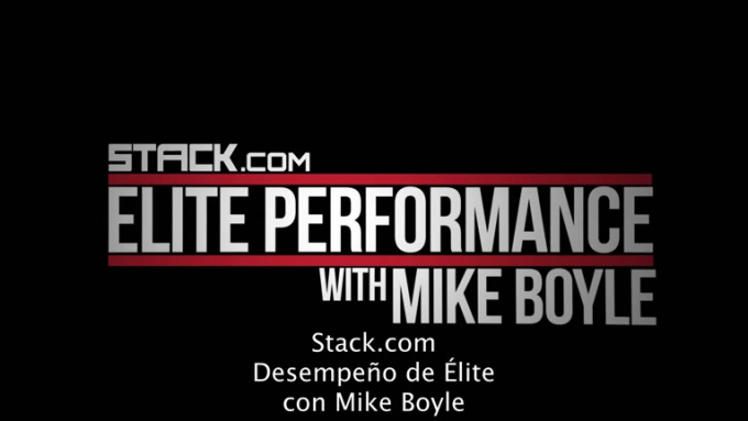 How to Properly Perform and Teach the Kettlebell Swing Featuring Mike Boyle-SpanishSub
