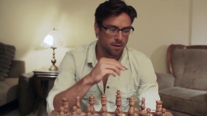 Singaweb ChessDog Commercial