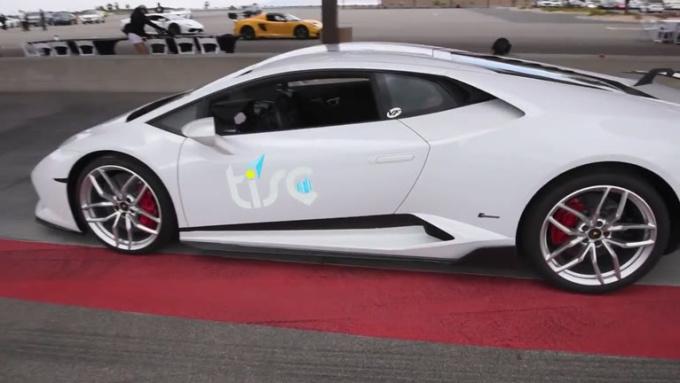danielroberson6 White Lamborghini done