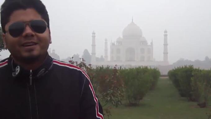 Alena_HD_video_in_Crystal_clear_sound_from_Taj_Mahal