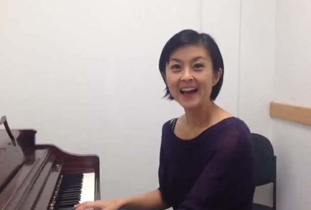 sing and play Happy Birthday song in Japanese