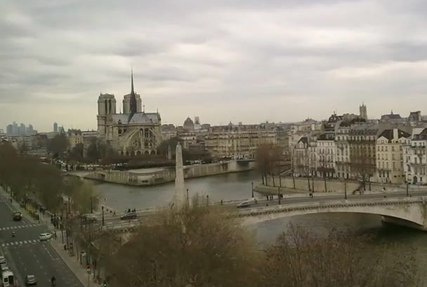 take high quality pictures of Paris for you