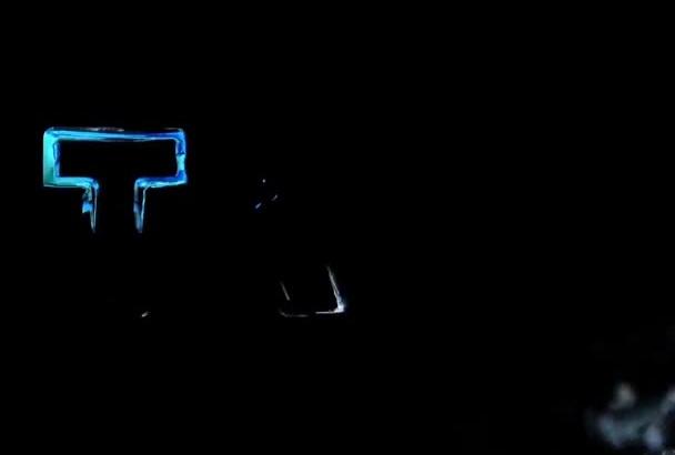 create a liquid letter video intro