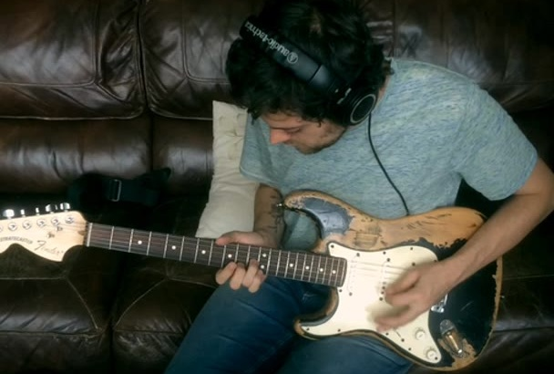 play and record electric guitar or bass on your song
