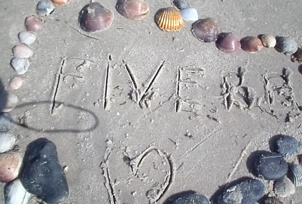write your AMAZING message on the beach