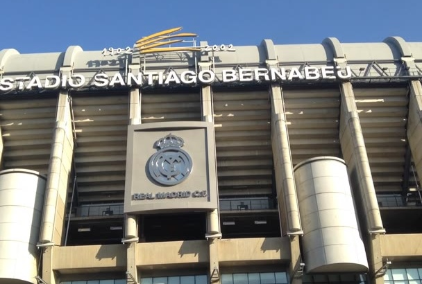record a video on Real Madrid Stadium with Imperfect English