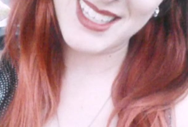 be the cute friendly redhead for your realistic testimonial