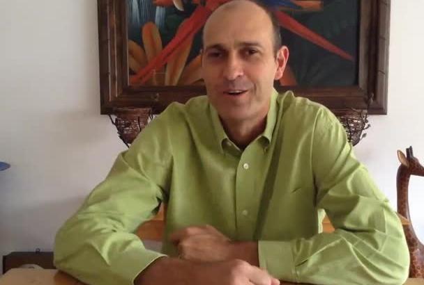 video testimonial English latin accent or spanish