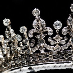 graphic_crown